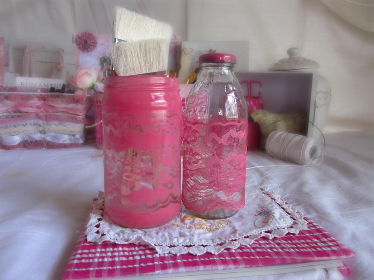 http://1.bp.blogspot.com/-p9QYQoeD3XY/UCAxzSYIDoI/AAAAAAAAC00/O71mGOk9i9g/s1600/lace+covered+jars.jpg