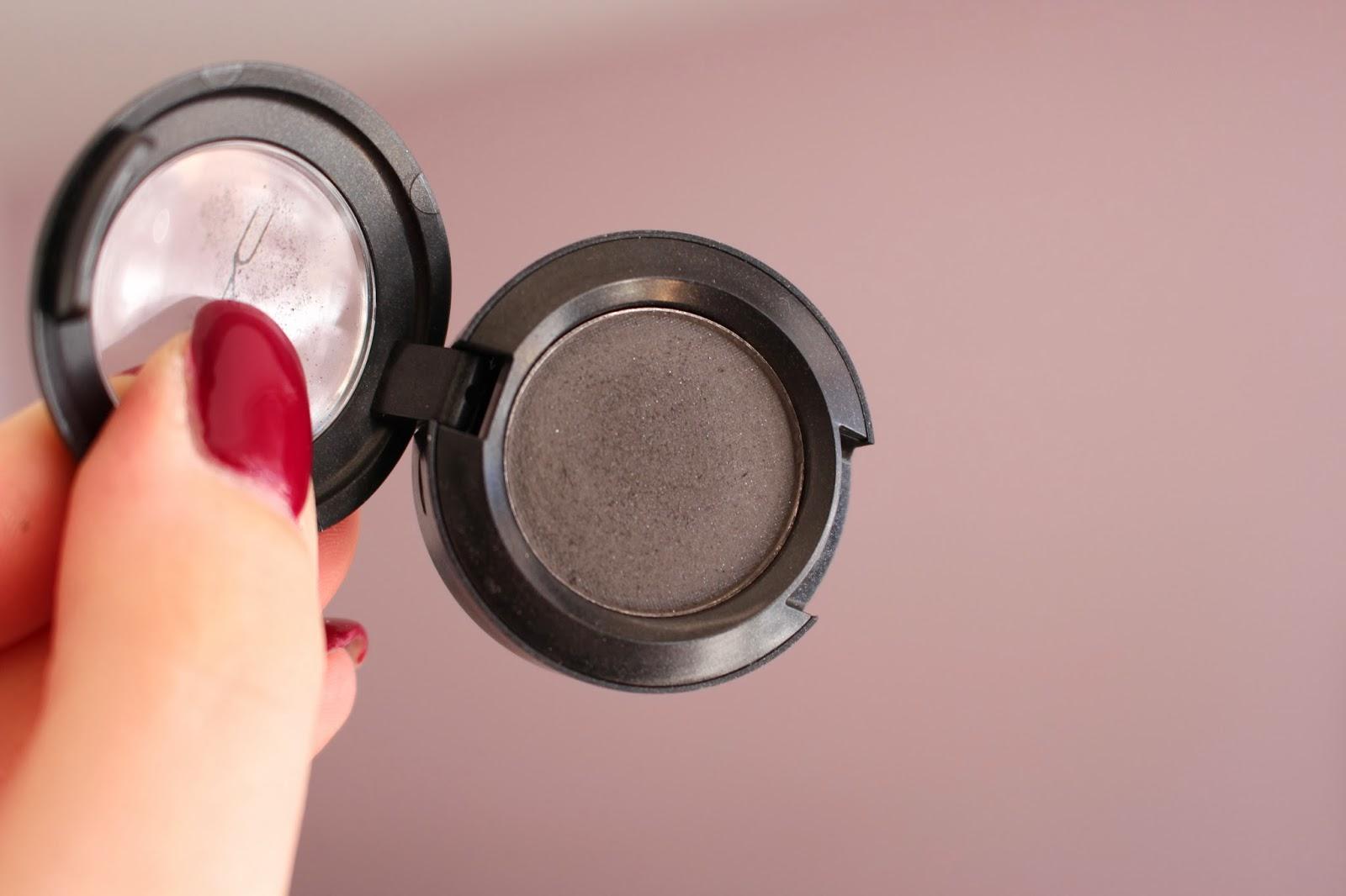 mac-eye-makeup-look-12