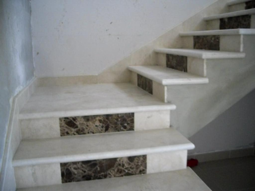 Marmodeco escaleras en marmol - Peldanos de marmol ...