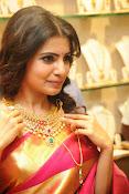 Samantha glamorous photos in saree-thumbnail-2