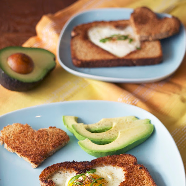Eggs in a Basket (Fried Egg in Toast)