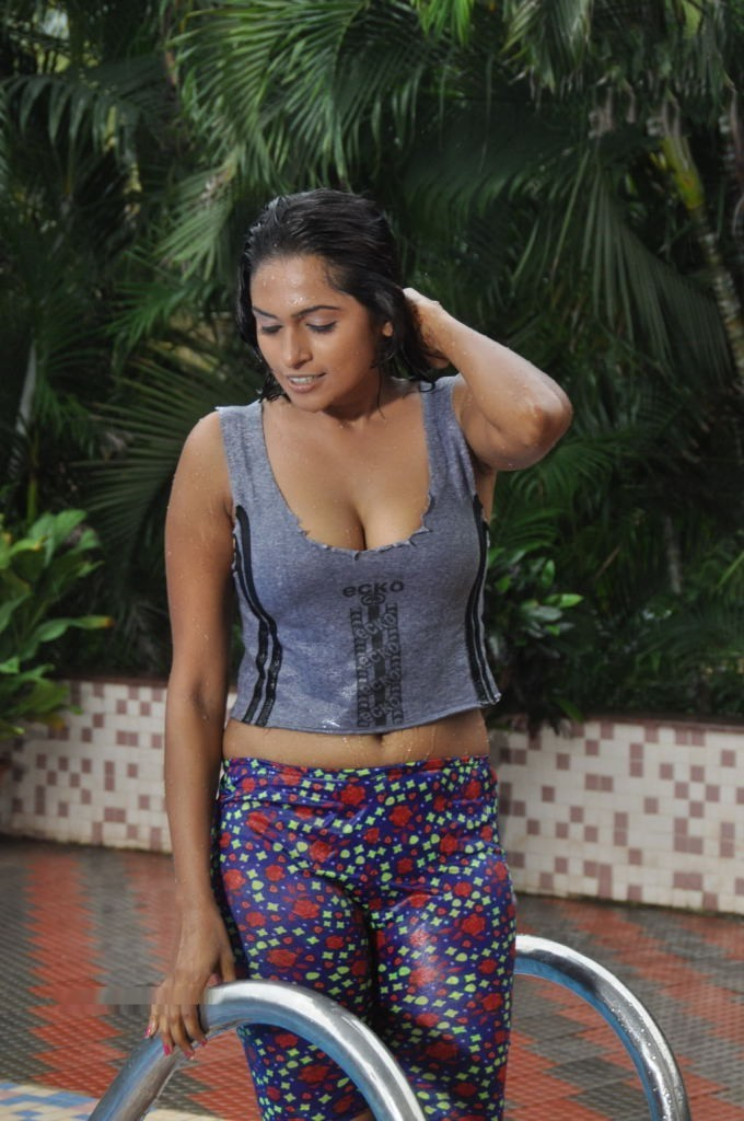 Actress Anjali Hot