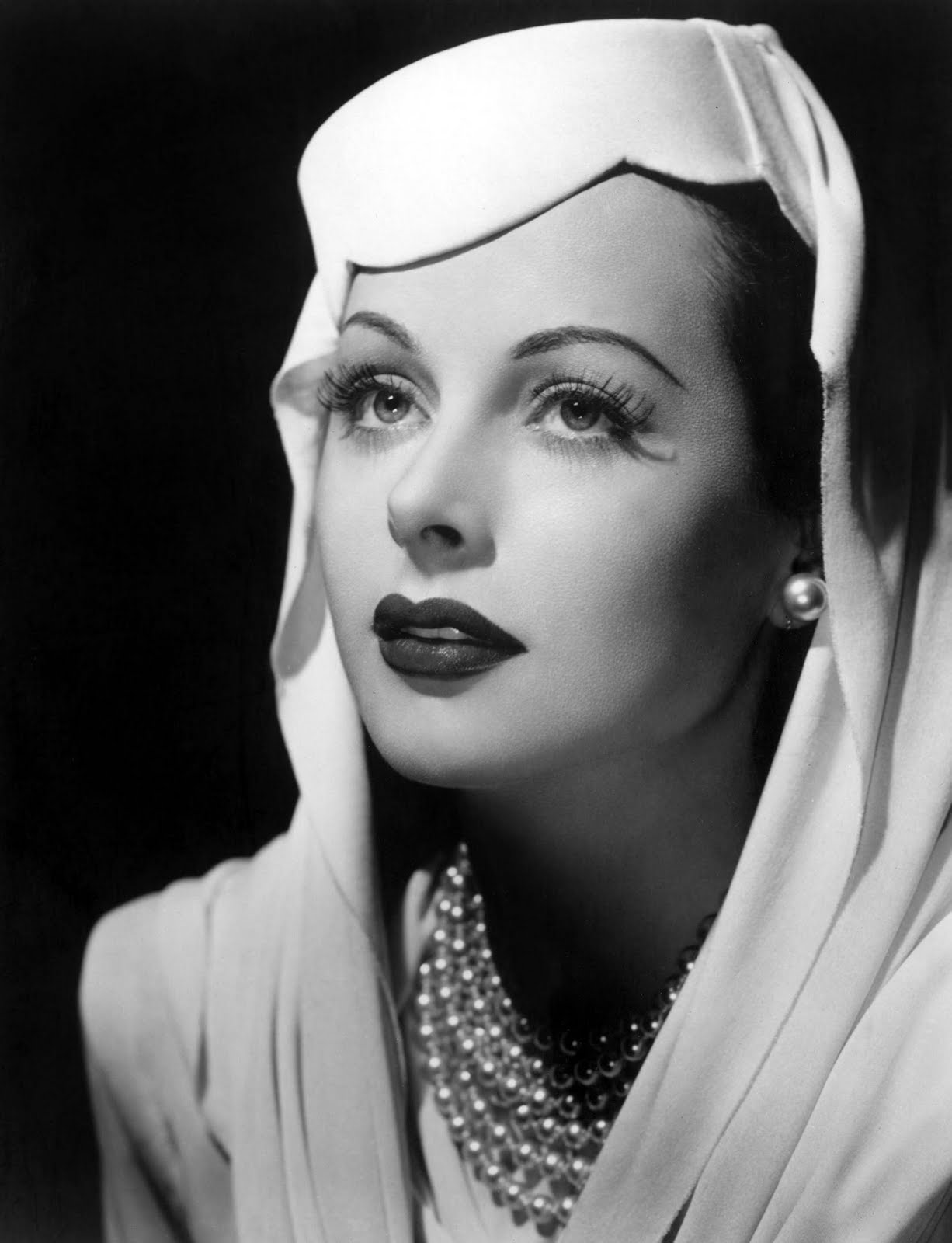 Hedy44 Hedy Lamarr: Once one of the brightest lights in Tinseltown