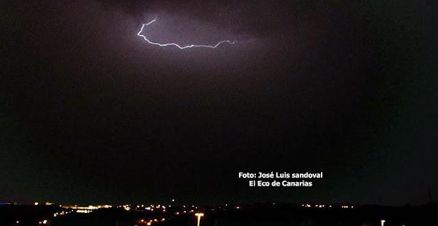 fotos vídeo rayos Gran Canaria  hoy miércoles  12 agosto