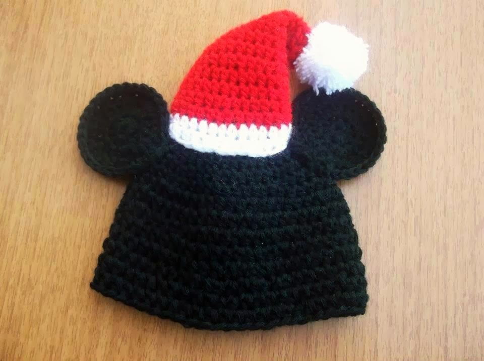 Cute designs mickey moyse christmas hat crochet pattern