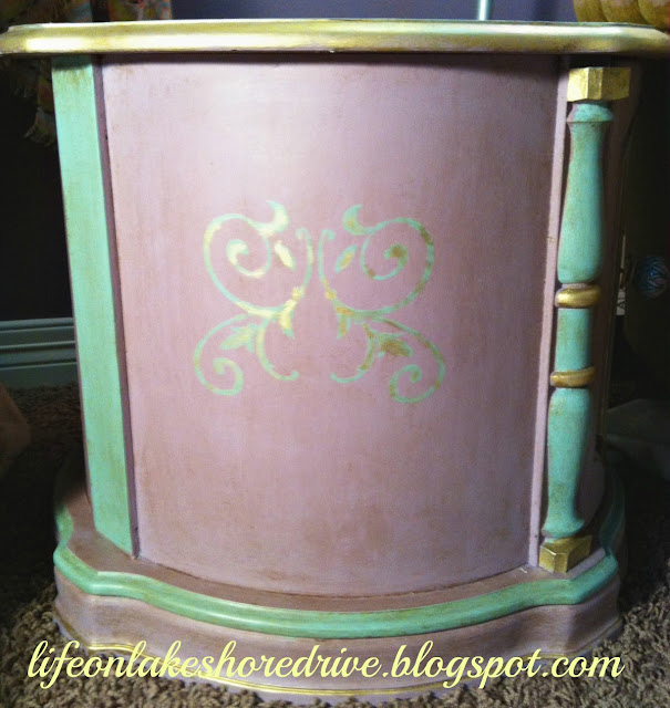 "alt-""Annie Sloan chalk paint table makeover in emile and duck egg blug with gold gilding wax"""