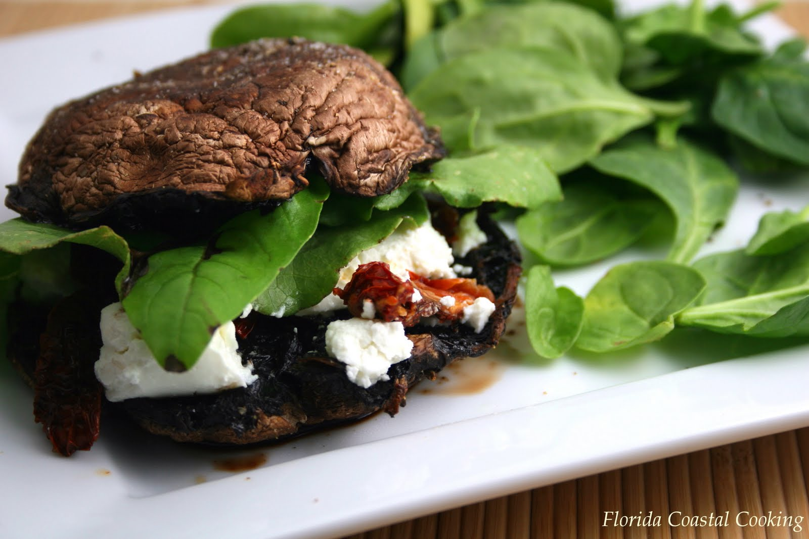 Portobello Mushroom, Cashew Cheese and Sundried Tomato Sandwich with ...