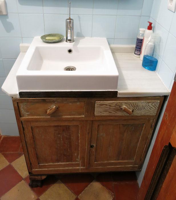 Supermanitas mueble de lavabo reinventado for Mueble bajo lavabo barato