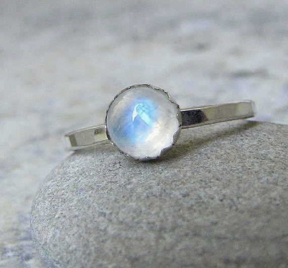 https://www.etsy.com/nz/listing/93487082/moonstone-ring-silver-rainbow-moonstone
