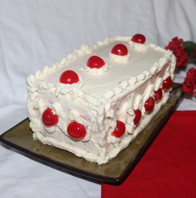 Erivum Puliyum: Neapolitan Christmas Cake