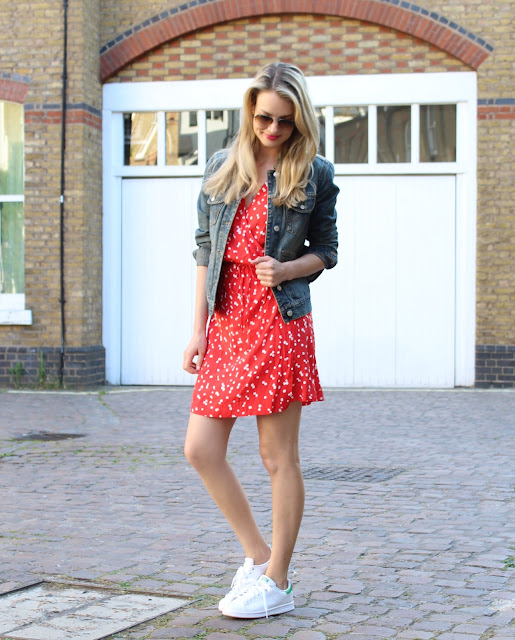 wrap dress, how to wear a dress five ways, five ways to wear a dress, red dress, stan smith and dress, denim jacket, lace up flats, gladiator flats, fashion blogger, street style, summer look