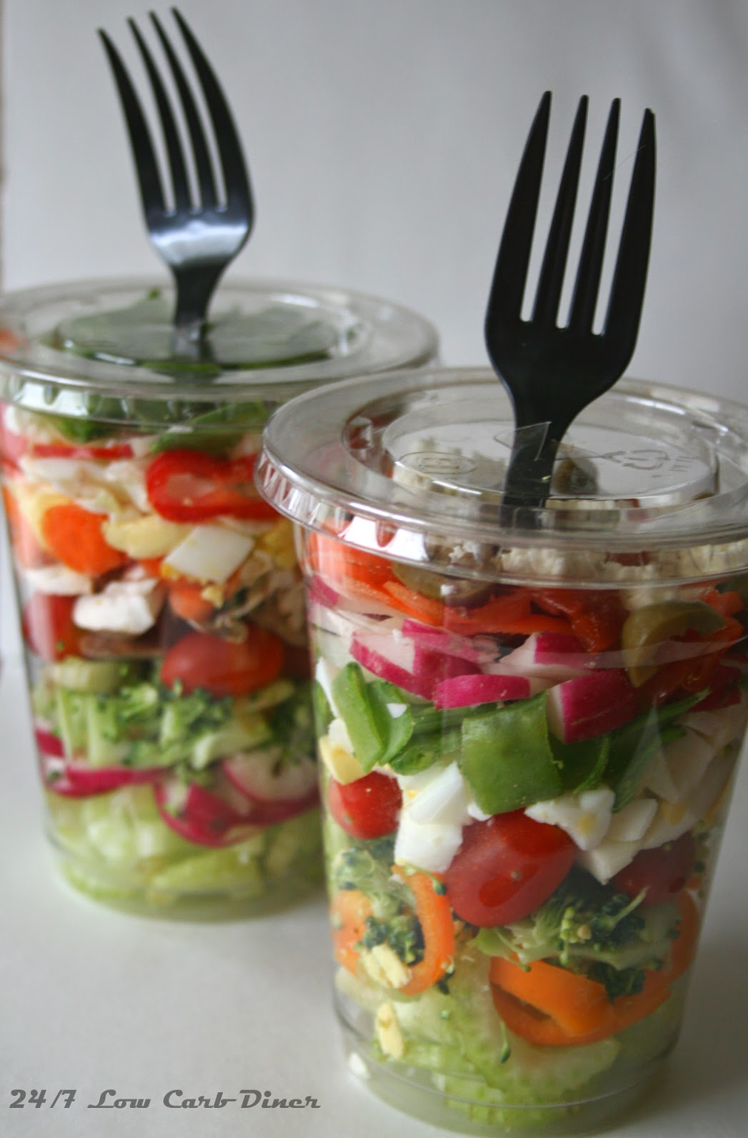 24 7 low carb diner chopped salad in a cup for Cuisine to go