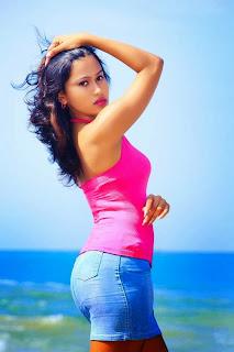 Model Chathu Paba hot back