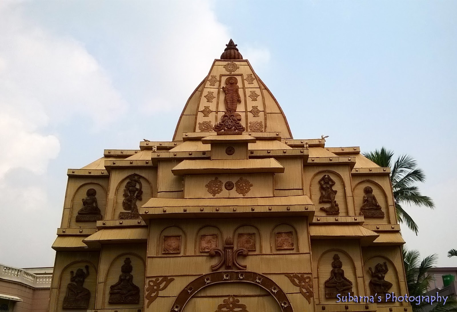Pandal hopping at durga puja 2015 saw a few very simple and homely pandals below im sharing some of them with you altavistaventures Choice Image