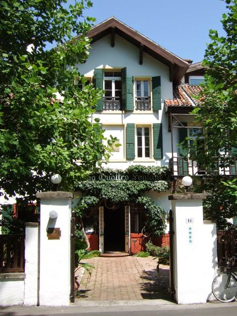 Venise c t jardin le jardin de l 39 h tel quattro fontane for Au jardin guesthouse