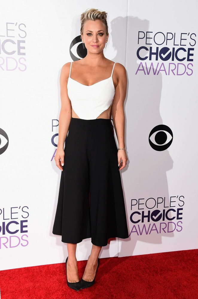 Kaley Cuoco in a black and white look at the 2015 People's Choice Awards in LA