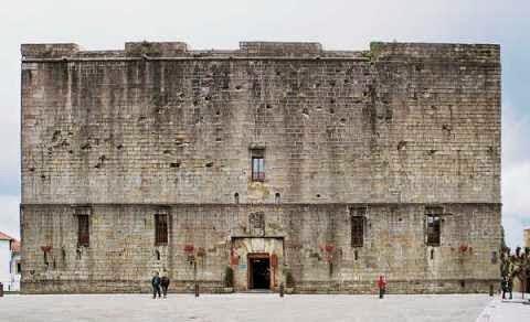 Castillos y Fortalezas de España Castillo%2Bde%2Bcarlos%2Bv%2B(1)