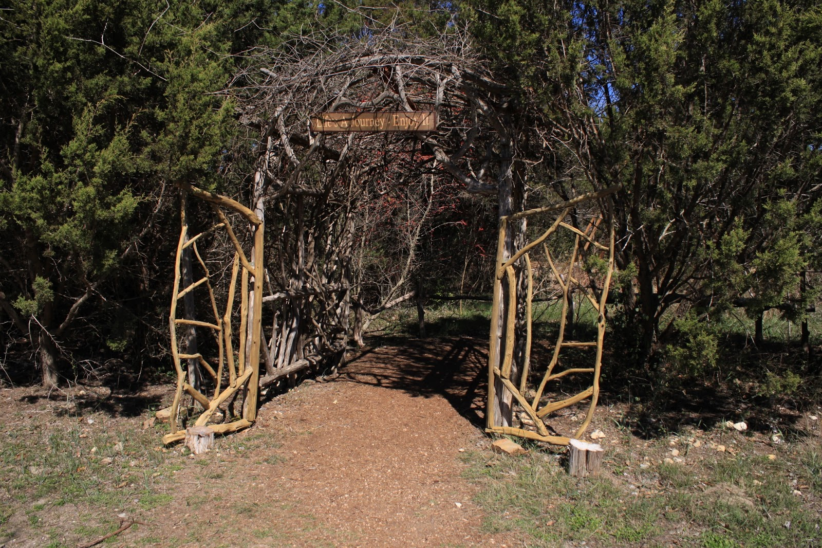 Fantastic Natural Gardener Austin Hours Adornment - Brown Nature ...