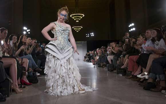 madeline-stuart-primera-modelo-down-fashion-week-ny
