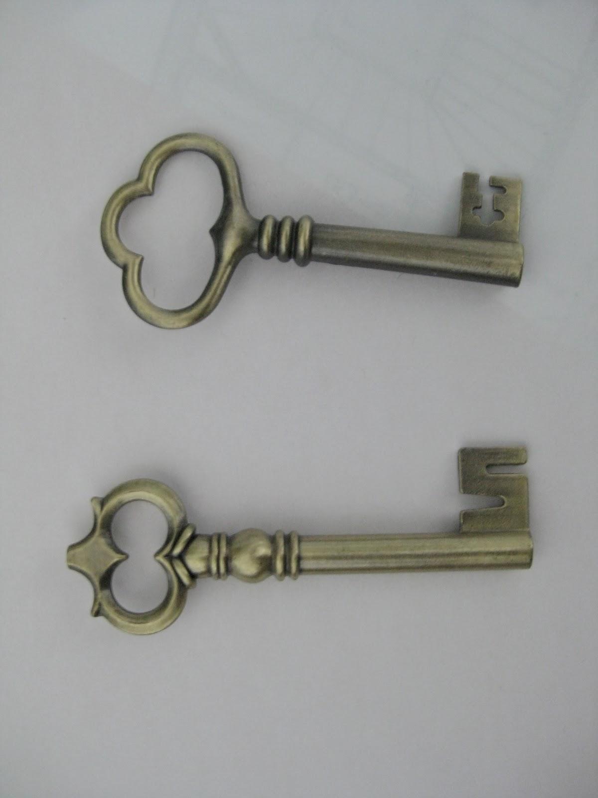 life designed antique skeleton key art