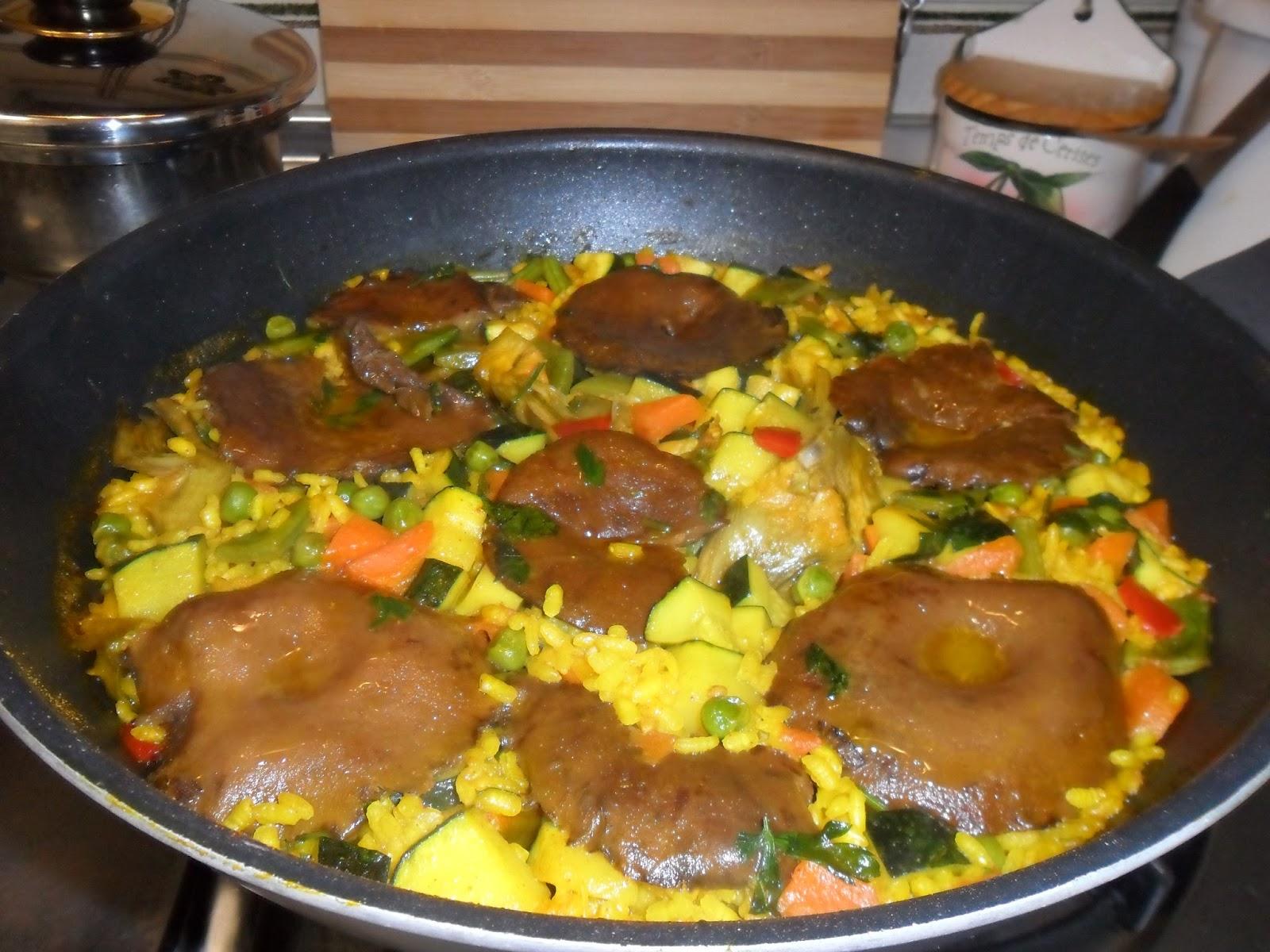 paella vegetariana con robellones