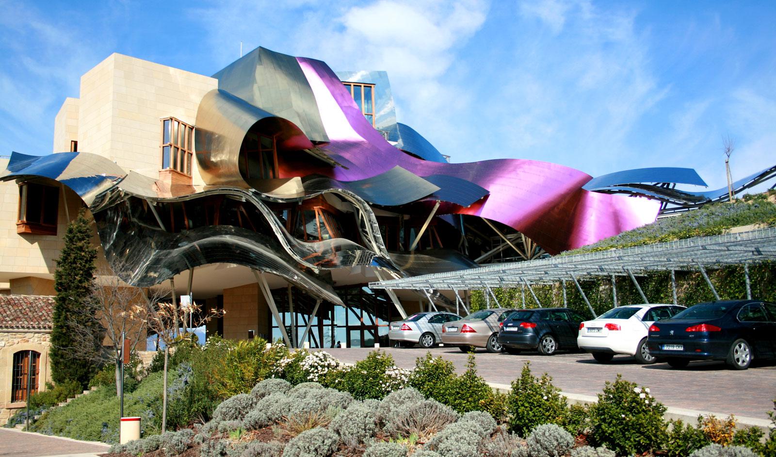 Hoteluri insolite deco relooking - Arquitecto bodegas marques de riscal ...