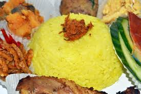 Resep sederhana cara membuat nasi kuning untuk anda coba buat sendiri diumah