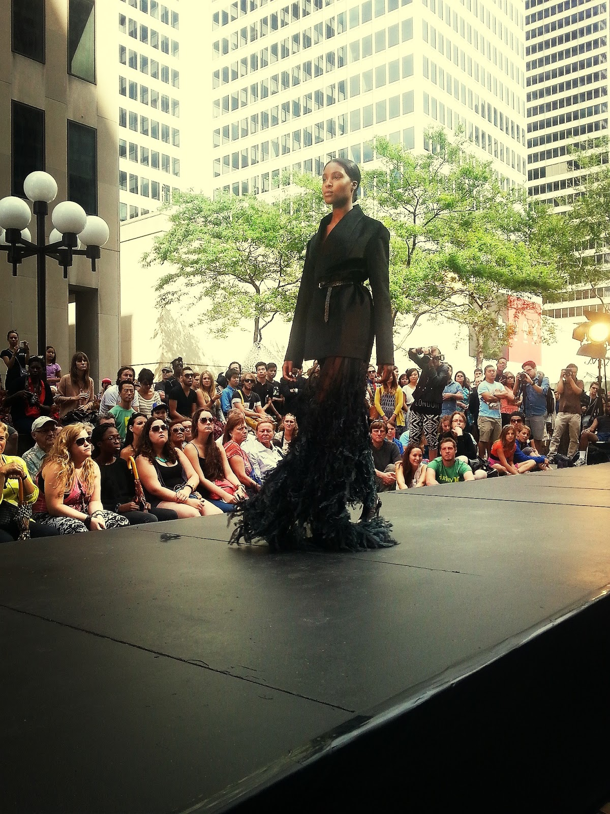 UNTTLD black feather gown jacket fashion show festival mode design