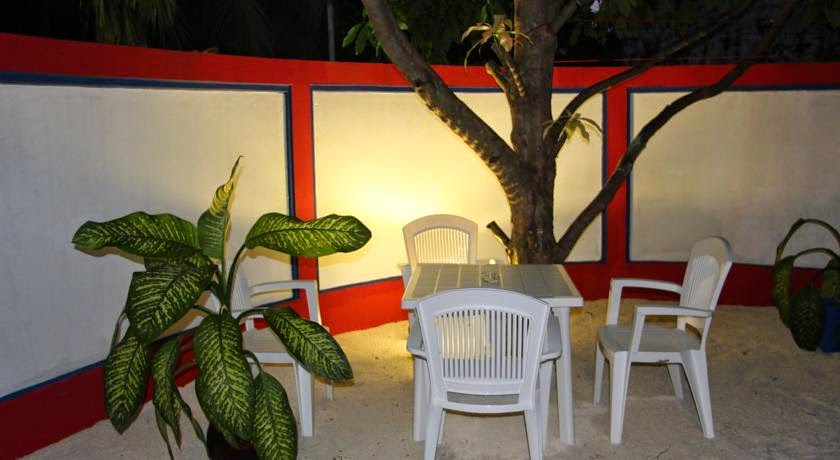 Blue Water Thoddoo Inn Maldives