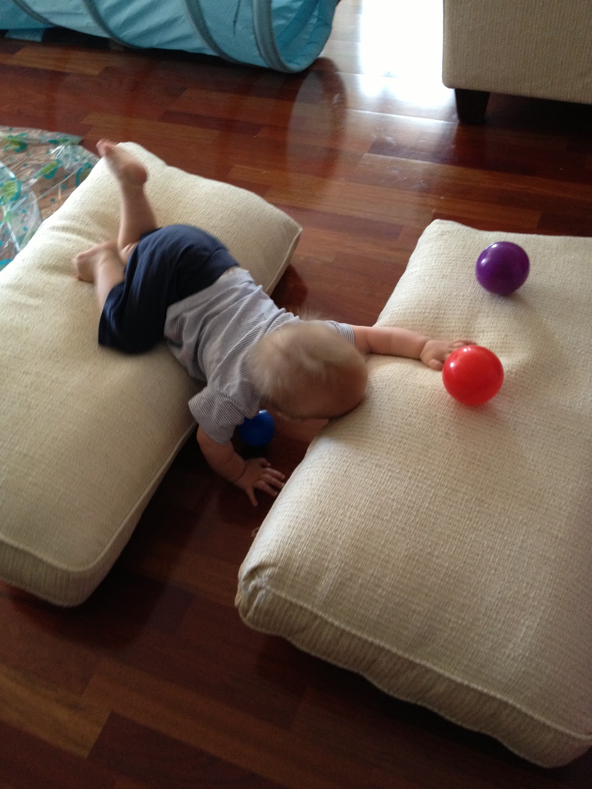 Playing And Learning Begins At Home Baby Sensory Crawl