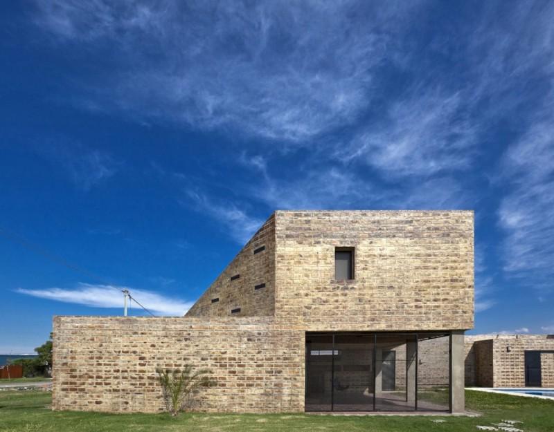 Casa Alejandra - Cekada / Romanos arquitectos