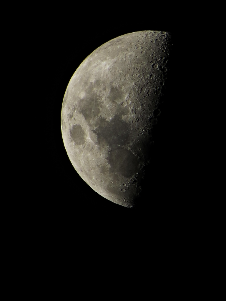 Half moon of December 20, 2012 (Photo by Bernard Eirrol Tugade)