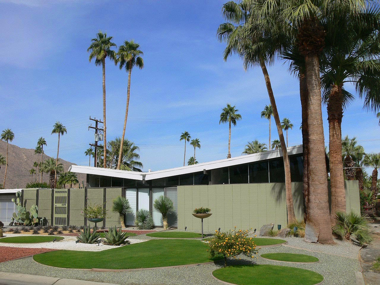 The style saloniste golden days designer brian dittmar for Property in palm springs