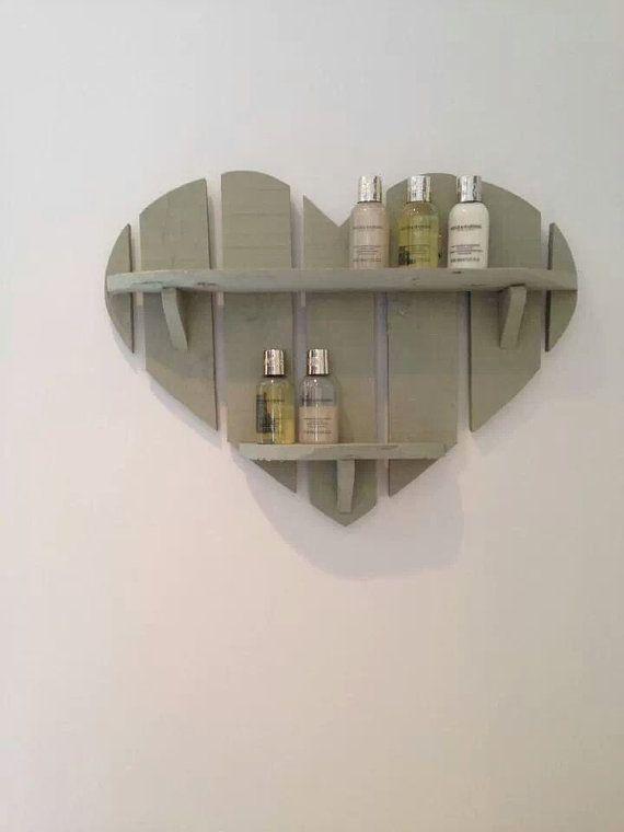 Prateleira coração de madeira pallet