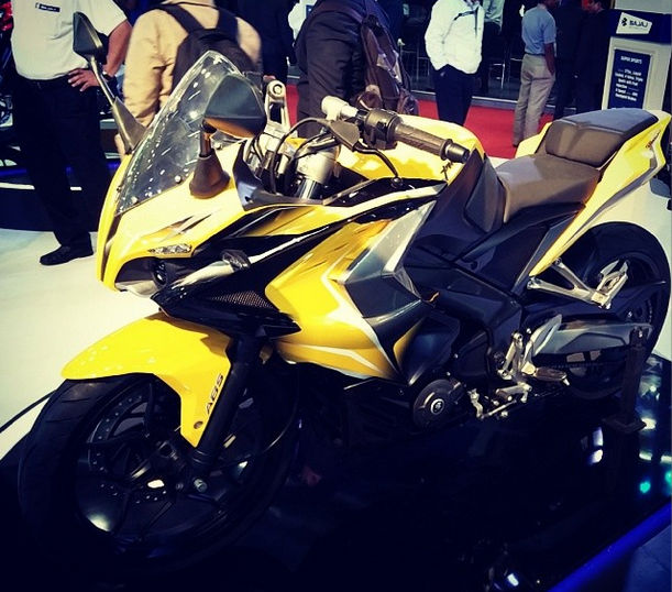 Full Faired SS400 and Pulsar Cruiser CS400 with ABS at Auto Expo 2014