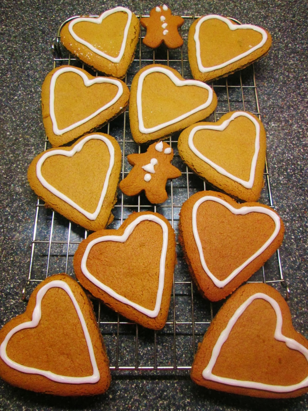 http://themessykitchenuk.blogspot.co.uk/2013/09/gingerbread-hearts.html