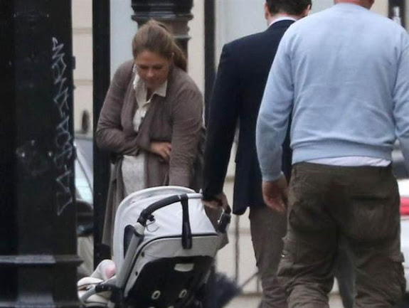 Princess Madeleine of Sweden, Chris O'Neill and Princess Leonore went for a walk in London earlier this week.