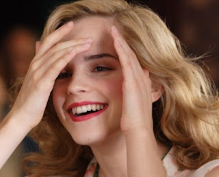 Emma Watson ketawa