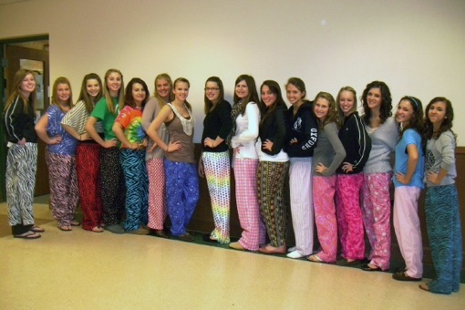 Girls+in+Pajama+pants
