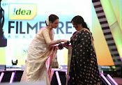 Filmfare South Awards 2013-thumbnail-13
