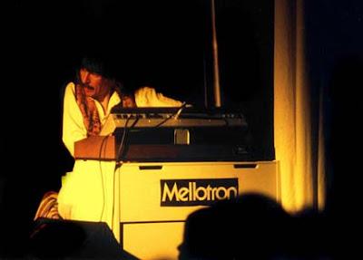 Cosmic Hoffmann au mellotron / source : Klaus Hoffmann-Hoock