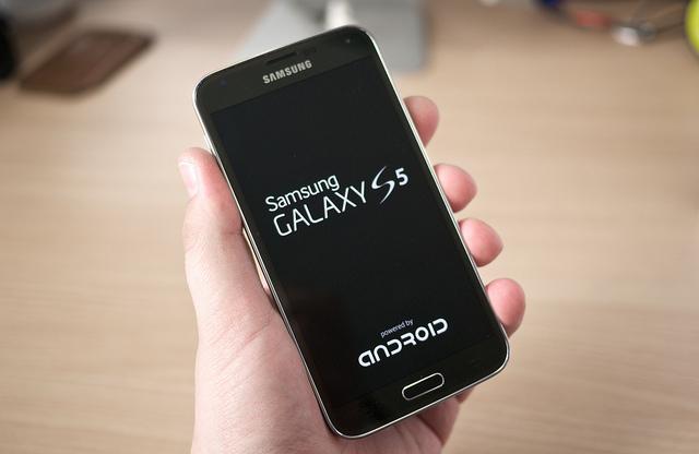 Best Smartphone 2014 : Samsung galaxy s5