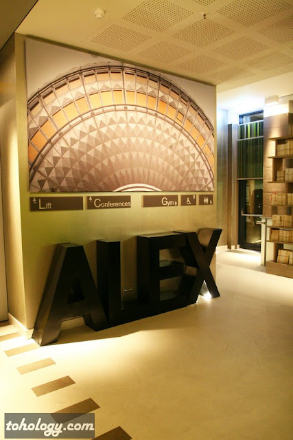 Hotel Indigo Berlin – Centre Alexanderplatz, lobby