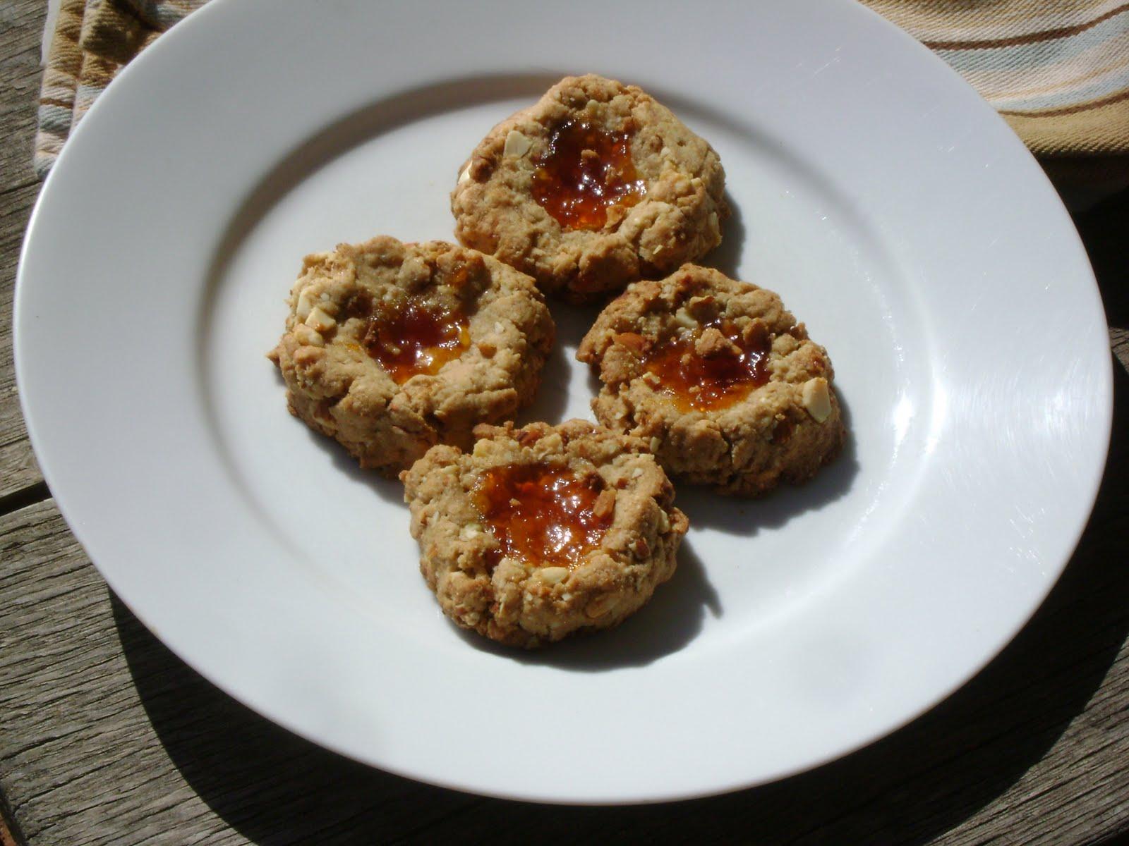http://1.bp.blogspot.com/-pEcZBsFWelU/Td61IF5vwmI/AAAAAAAAALI/SRQbONMfVAY/s1600/paltrow+cookies.JPG