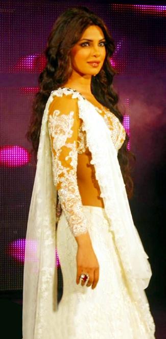 priyanka chopra dazzles at the blenders pride fashion tour hot images