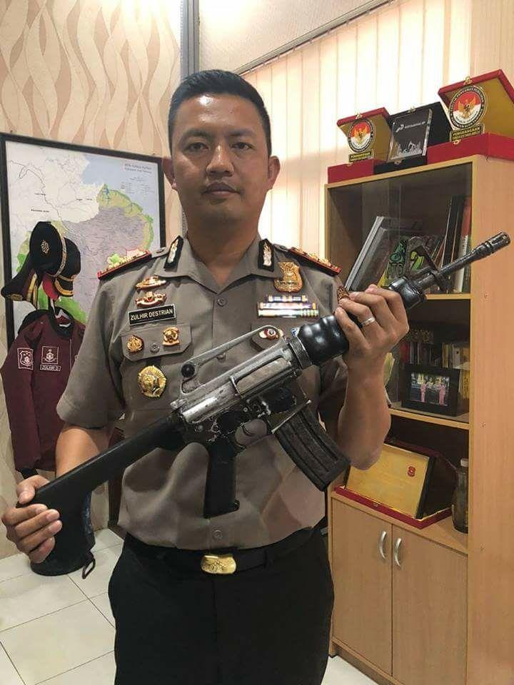 1 Pucuk Senjata Api M-16 Diterima Kapolres Aceh Tamiang