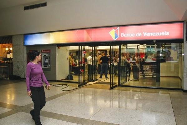 La Banca Pública será la única autorizada para tramitar divisas. ¿Que pasará con aquellos venezolanos que no posean Tarjeta de Crédito en la Banca Pública?