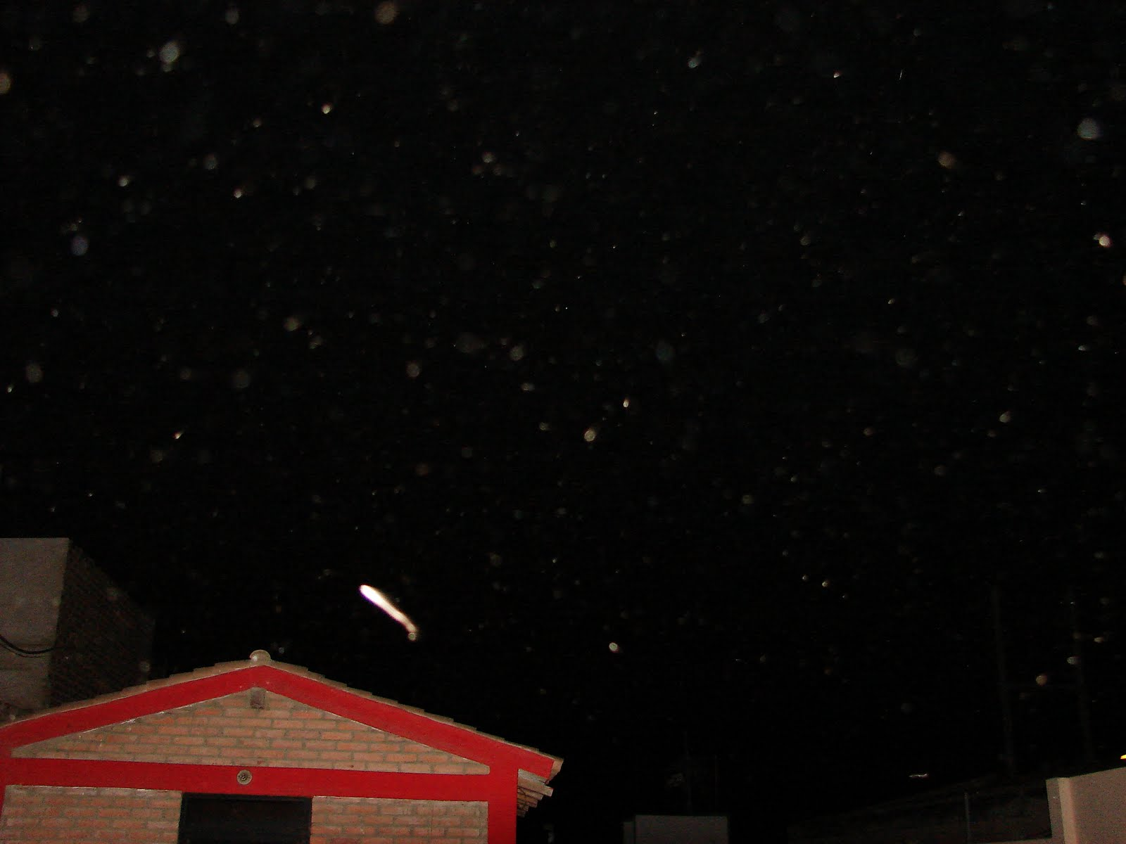 ATENCION.5-SEPTIEMBRE-6-7.8-0-10..2011 super avistamientos Ovni inmenso largo...sec ufo....