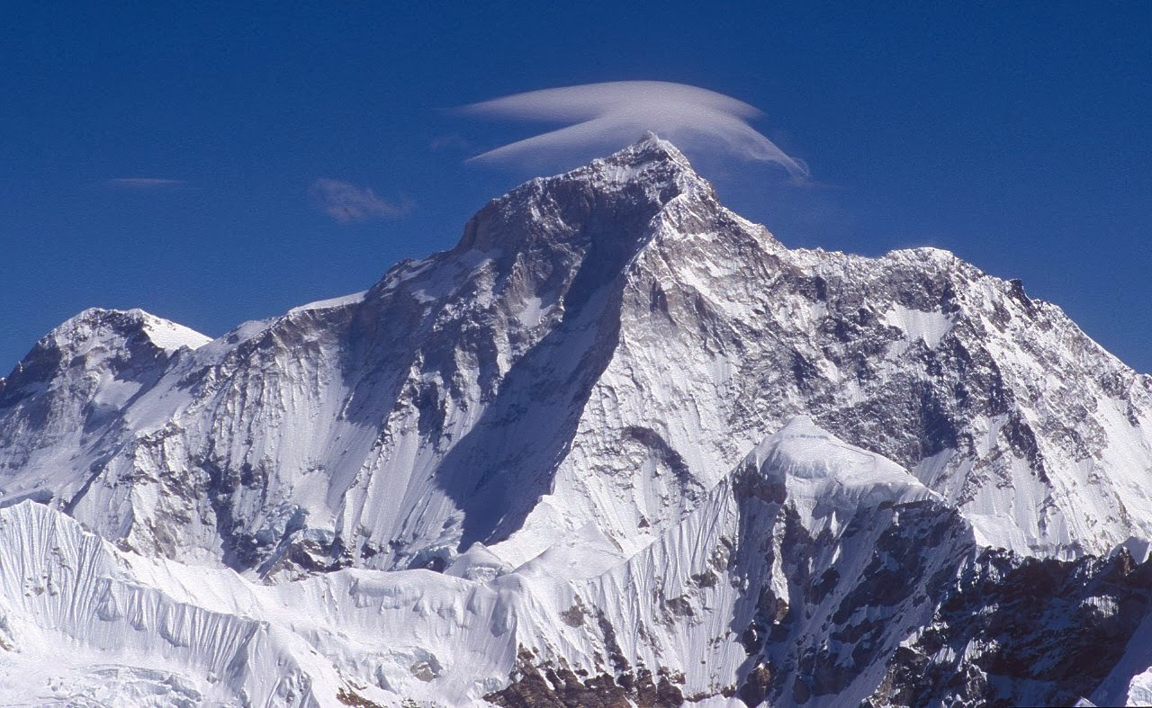 Mount Makalu - 15 Highest Peaks in the World