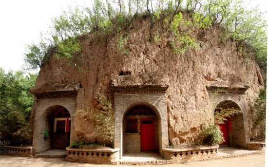 30 milhões de chineses vive em cavernas a mairia deles são encontrados na província de Shanxi